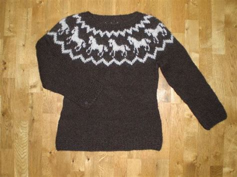 knitting pattern horse sweater icelandic sweater pullover made of wool with horse