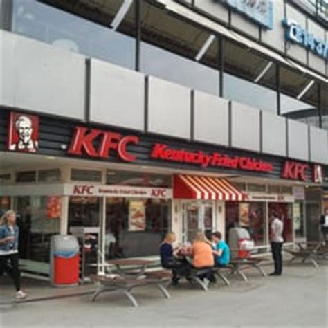 kfc zoologischer garten kfc kentucky fried chicken 25 photos 30 reviews