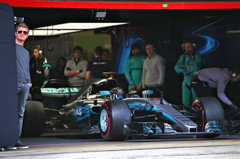 Mercedes Garage by Nico Rosberg I Want To Challenge Mercedes For