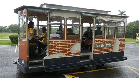 Bibit Buah Mekarsari disediakan gratis untuk pengunjung