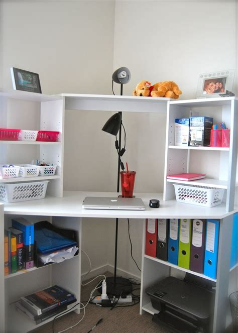 Student Desk For Bedroom by 25 Best Ideas About Student Room On Student