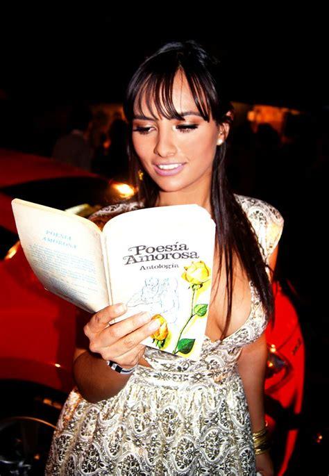 julieta grajales crea fama  tumbate  leer pinterest