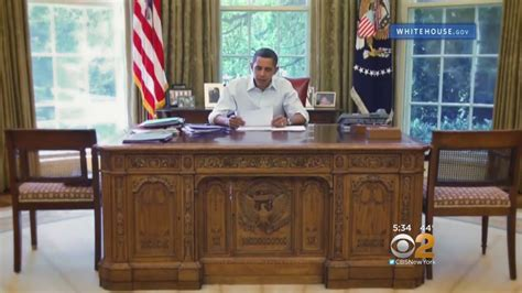 oval office desks that have served the presidents daily dear mr president obama reads replies to letters to