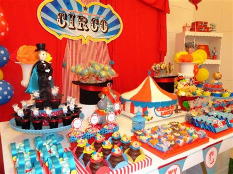 circus themed birthday decorations 1000 images about we re going to the circus on