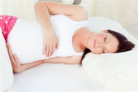 how can a pregnant woman sleep comfortably sleeping positions during pregnancy