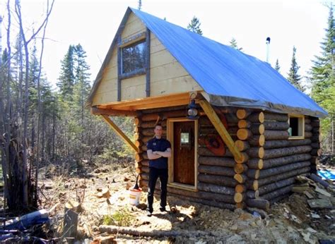 Log Cabin Building Regulations by This Built A Tiny Log Cabin With The Help Of Friends