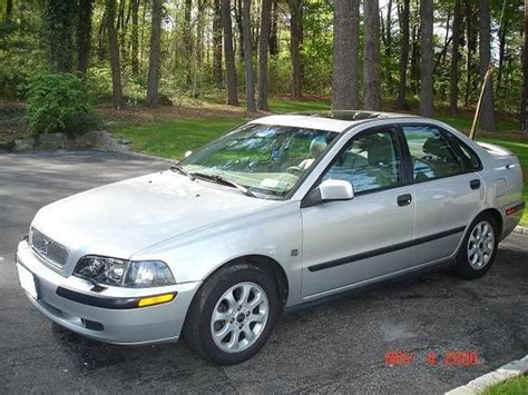 how to learn about cars 2001 volvo s40 user handbook bensvolvo 2001 volvo s40 specs photos modification info at cardomain