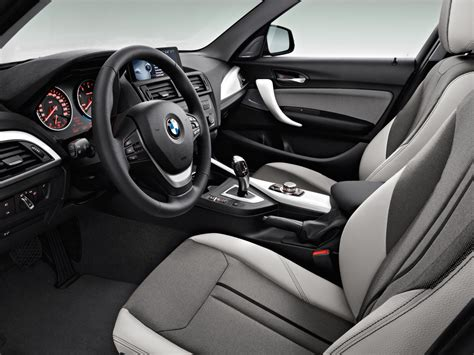 interno it test italiano interni bmw serie 1 17 5 italiantestdriver