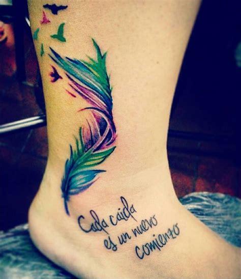 Lo Hace De Nuevo Se Enfunda En Plumas Para La Alfombra Roja Frase Cada Ca 237 Da Es Un Nuevo Comienzo Pluma Y Aves Tatuajes Para