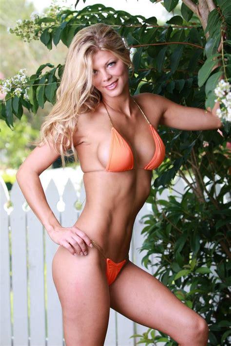 the backyard babes the backyard babes miss beach honey roxana hooters bikini girl