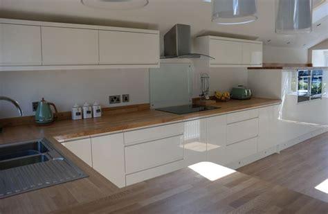 sage and cream shaker style kitchen kitchen decorating housetohome co uk multiwood welford handleless gloss cream kitchen