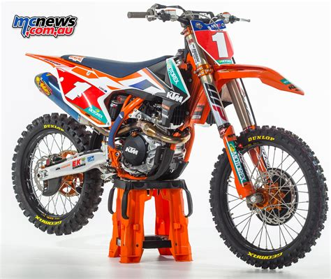 Ktm Race 2004 Ktm 450 Sx Racing Pics Specs And Information