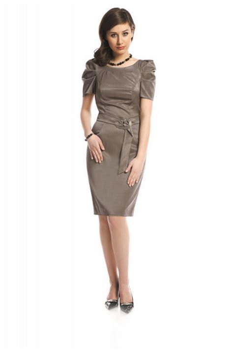 elegantes kleid mit aermeln