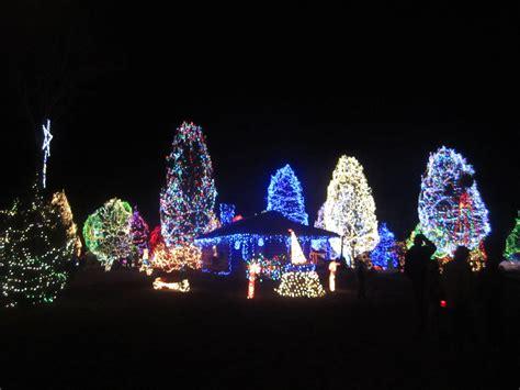 paschals christmas lights decoratingspecial com