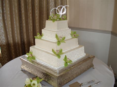 square wedding cake wedding cakes pictures green orchid square wedding cakes