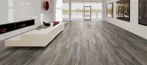 pavimenti in ceramica finto parquet prezzi gr 232 s porcellanato effetto legno opinioni prezzi ed