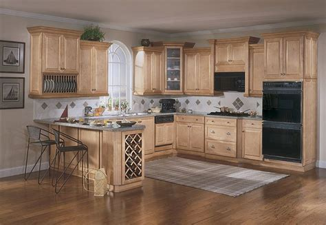 Kitchens With Light Maple Cabinets Light Maple Cabinets Kitchen Pinterest