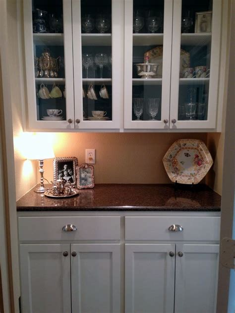 Breakfast Pantry by 25 Best Ideas About Butler Pantry On Traditional Bar Glasses Traditional Pantry