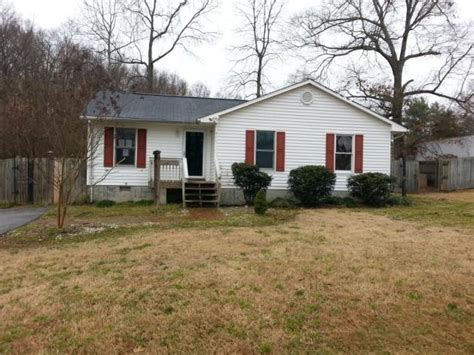 House For Sale In High Point by 311 Weavil St High Point Nc 27265 Foreclosed Home