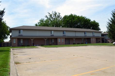 Cottage Il Zip Code by 202 Cottage Ave Normal Il Apartment Finder