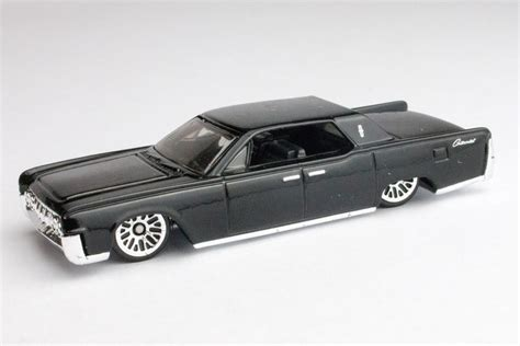 Hotwheels Lincolin Cotinental wheels bond 64 lincoln continental goldfinger