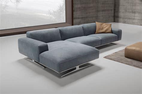 casa divani altamura divani con penisola e ad angolo al salone mobile