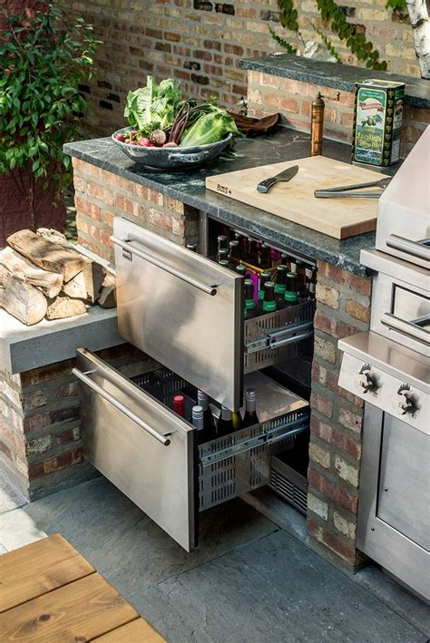 ideas for outdoor kitchen 25 best ideas about outdoor kitchens on