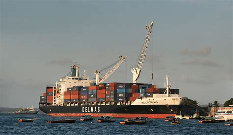 shipping boat definition file container ship jpg wikipedia