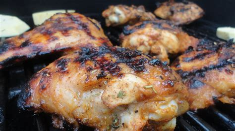 paleo maple grilled chicken thighs