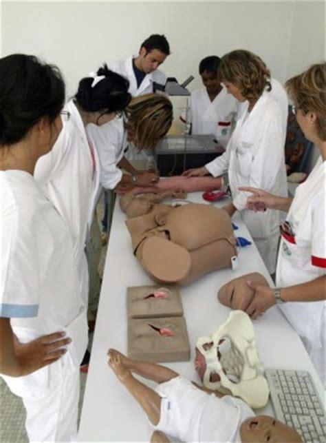 universita di pavia medicina quando il neo dottore parla inglese la laurea in medicina