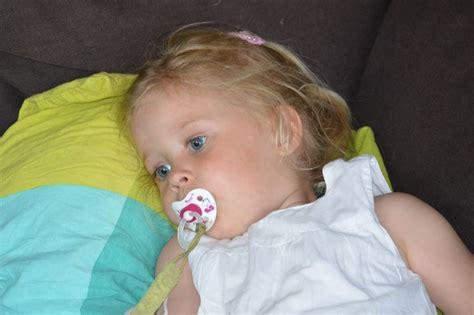 wann schläft baby durch die besten 25 wann schlafen babys durch ideen auf
