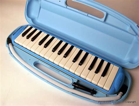 Melodica Suzuki Suzuki Melodica 32 Key Study 32 Blue Woodbrass Uk