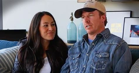 contact chip and joanna gaines scientist hgtv 39 s fixer upper with chip and joanna