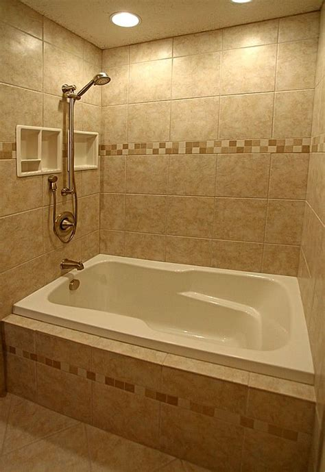 Showers And Tubs For Small Bathrooms Best 25 Bathroom Tubs Ideas On Pinterest