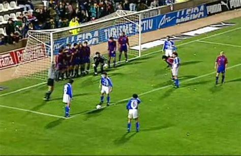 imagenes de tiros libres indirectos video tito vilanova scores impossible goal against