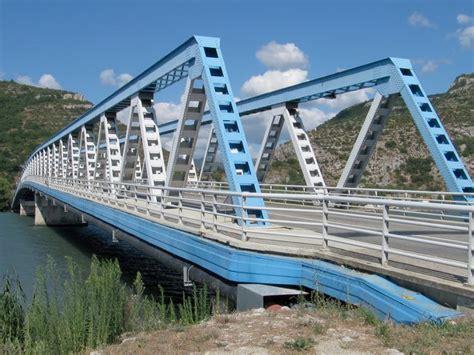 Pont A Treillis by Poutre Treillis Grande Porte Acier Poutre Treillis With