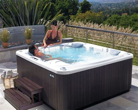 jacuzzi brand bathtub hot tubs swim spas saunas portland bend vancouver sale