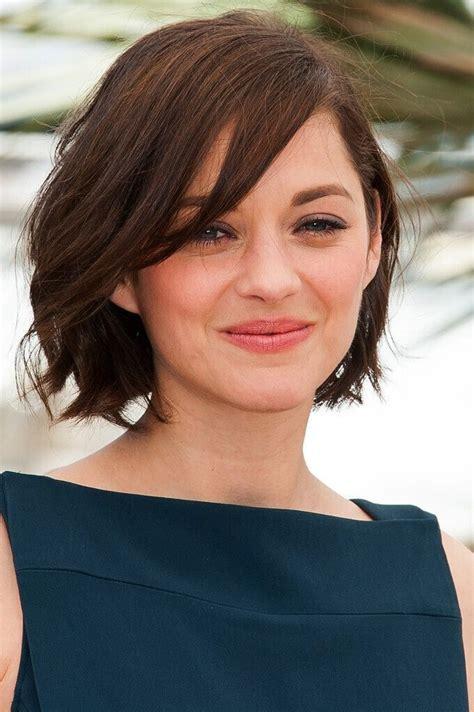 22 flattering hairstyles for round faces medium straight best 25 round face short hair ideas on pinterest short