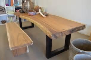 tisch mit baumkante esstisch akazie massiv mit baumkante carprola for