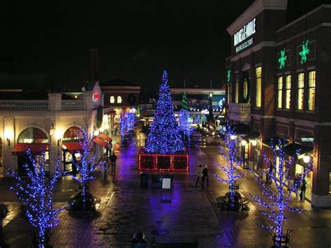 Lights Cincinnati by 7 Dazzling Light Displays Cincinnati