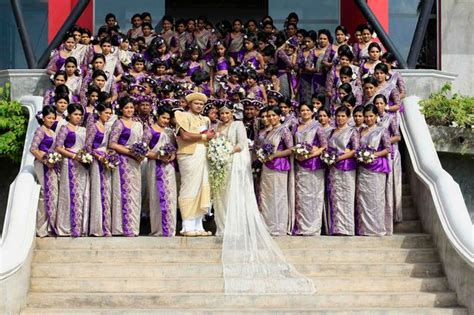 Baju Sunday Sunday Co Limited world s wedding in sri lanka has 126 bridesmaids
