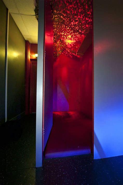 locker room cruising the locker room in reviews photos sauna guide queersaunas