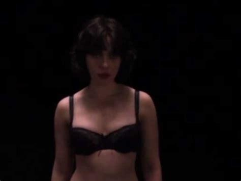 gambar film obsessed scarlett johansson under skin download foto gambar