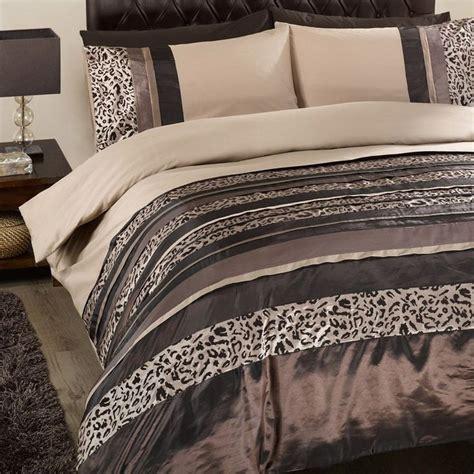 mocha bed linen 25 best ideas about bed linen on
