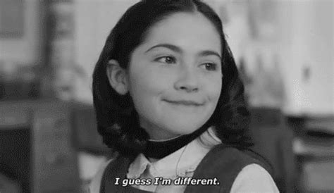 film orphan part 1 isabelle fuhrman orphan gif find share on giphy