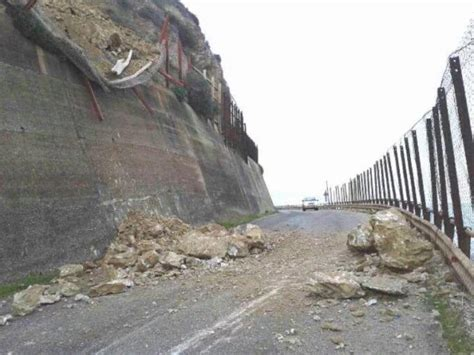 earthquake greece strong m6 5 earthquake kills 2 in greece in pictures and