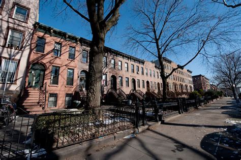 living in carroll gardens the new york times
