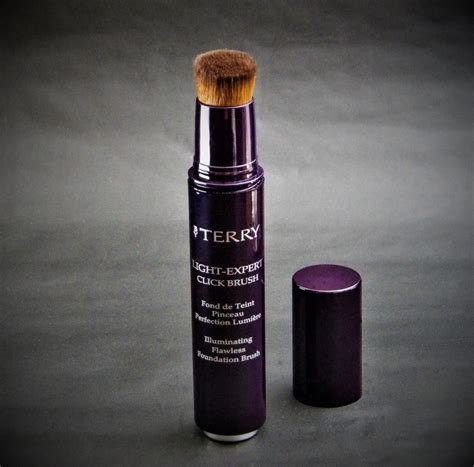 by terry light expert click brush foundation style chicks skincare haircare beauty fashion style