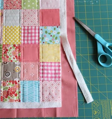 Patchwork Binding - binding a quilt with the quilt back cluck cluck sew