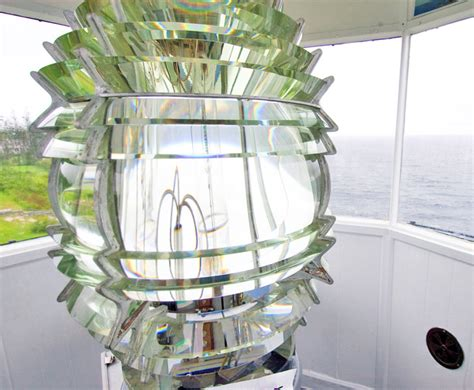Solar Len by Next Solarvolt Generator Uses Lighthouse Glass To